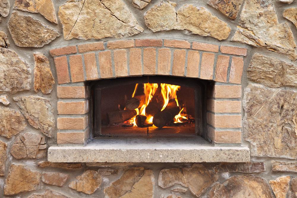 Come usare il forno a legna agriturismo poggio diavolino for Mattoni refrattari per forno a legna